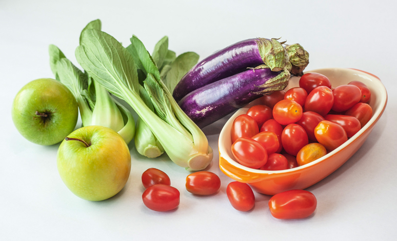 4 Must-Have Fruits and Vegetables for Healthy Skin and Hair